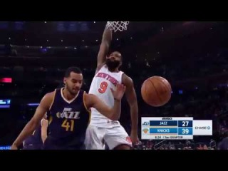 Kyle O'Quinn dunks on Trey Lyles