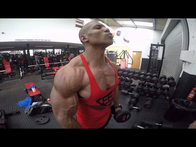 Roger Snipes trains Back and Biceps with NRG Fuel sponsored Arron Murphy