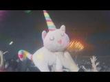 Bassjackers vs Skytech &amp Fafaq - Pillowfight (Official Music Video)