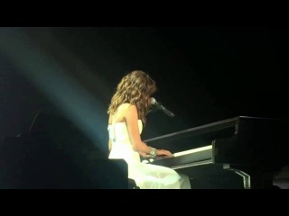 Selena Gomez Hallelujah at Revival Tour in Melbourne 6/8/2016
