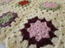 How to crochet a pretty flower granny square for beginners