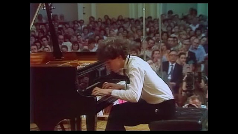 Evgeny Kissin plays Rachmaninoff Etude op. 39 no. 2 op. 39 no. 6 - video 1986
