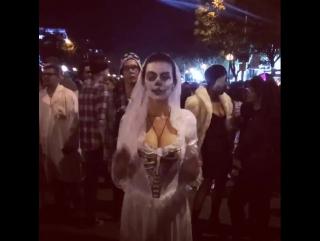 Анна Седокова примерила кошмарное свадебное платье