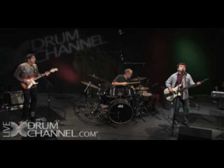 AMBROSIA - holdin' on to yesterday (recorded live at the Drum Channel in 2009)