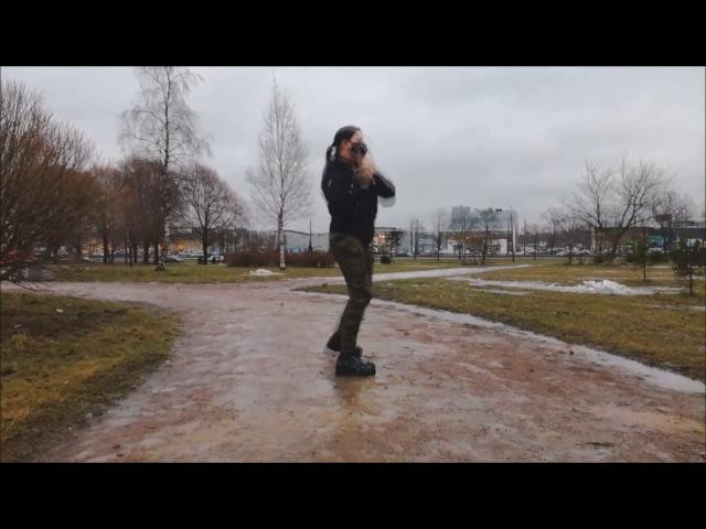 Industrial Tanz ,Tänzer: Chris Manson .das Lied der Gruppe C-Lekktor (in Memorian)