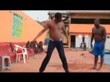 Негры прикольно танцуют