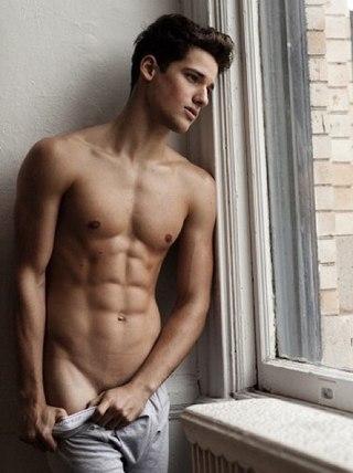Фото голых высоких мужчин можно