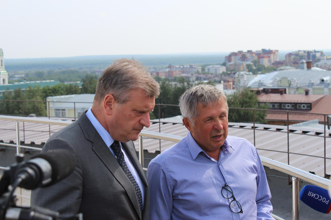Губернатор посетил ДКЦ
