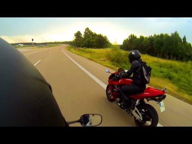Honda CBR 600 RR vs Yamaha R6 Acceleration 5 Perspectives 1080p