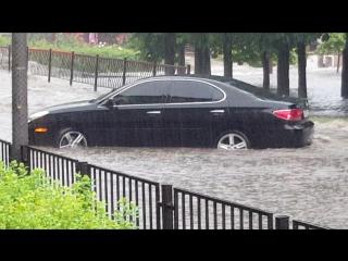 Во славу отечественного автопрома победить донецкий дождь xD