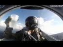 Пилот наливает воду вверх ногами. Доказательство отсутствия гравитации.