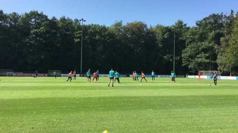 Oleksandr Zinchenko traint vandaag voor het eerst mee met de selectie van Cocu PSV