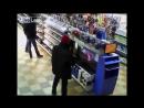 Гей - мера мастурбирующего на консоль PS4 прямо в магазине засняли на видео