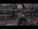 Голый пистолет 33 1_3 Последний выпад ( 1994) - Бойня в столовой