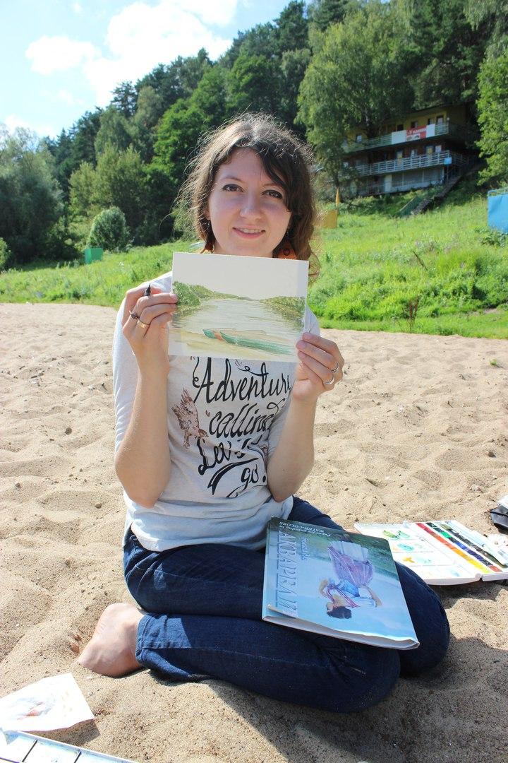 Ольга Краснова со своей работой