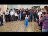 Маленькая принцесса танцует под индийскую музыку Arevik - 5 лет_HD