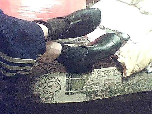 Выемки и прорези в резиновых каблуках. TqJoMM7BCwo