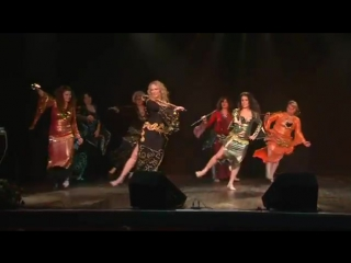 Simona Guzman belly dance - Asaya dance with students