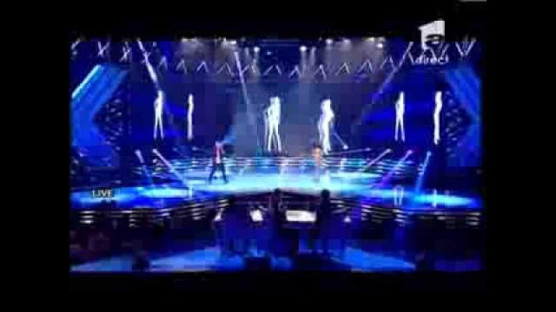 Andreea Lazăr şi Cocoon Kills au cântat Pisi cea obraznica pe scena X Factor Romania