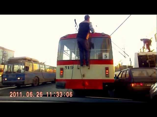Гонки на троллейбусах. Финал Trolley Trolleybuses in Kirov, Russia Trolleybus Crash