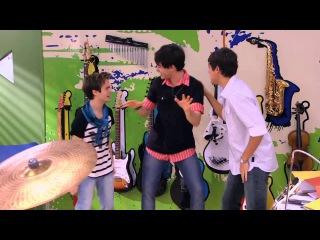 Violetta - Chłopcy śpiewają Dile que sí. Odcinek 49. Oglądaj w Disney Channel!