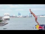 Топ три лучших прыжка на Red Bull Cliff Diving