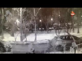 Грабитель нападает и душит девушек в Москве видео