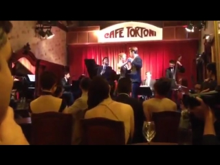 [Fancam] Dragon TV 'Sisters Over Flowers 2' filming - Henry's Tango dance at Cafe Tortoni, Argentina