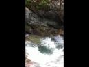 Саша купается в одной из ванн над водопадом Джур-Джур (Крым)