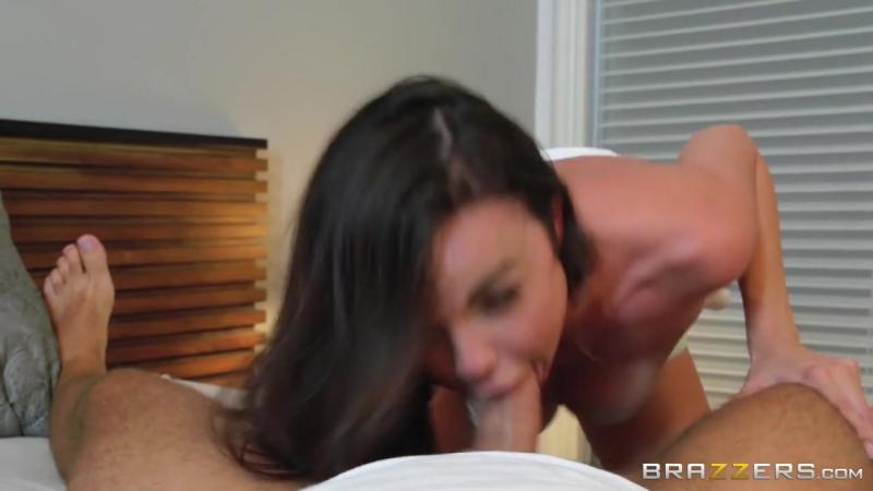 Dillion Harper трахает подругу дочери. Большой член, глубокая