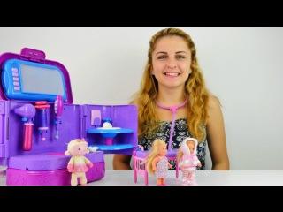 Barbie bebek hastalanıyor – doktor oyunu. İğne yapma oyunu. Doktor Abla
