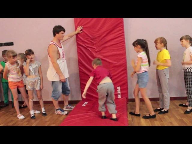 Проходит набор деток для тренировок по акробатике с нового учебного года!