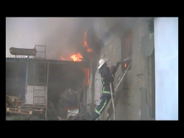 Українські рятувальники через погане забезпечення ризикують власним життям