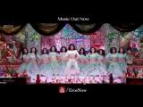 Ram_Chahe_Leela_Song_ft._Priyanka_Chopra_-_Goliyon_Ki_Raasleela_Ram-leela_(360p)