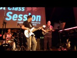 Robbee Mariano und Frank Itt am Bass bei der 1st class session in L