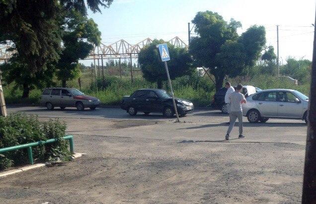 В Таганроге на Котлостроительной столкнулись «ВАЗ-2110» и Renault