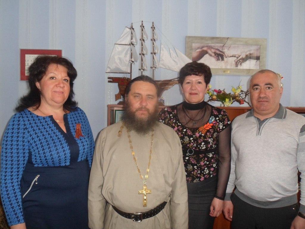 Настоятель Казанского храма из Марухи доставил гуманитарную помощь на Донбасс