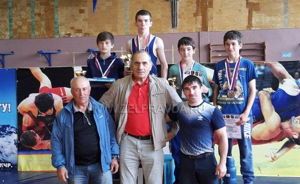 Бойцы из станицы Сторожевой призеры турнира по вольной борьбе на призы братьев Темрезовых