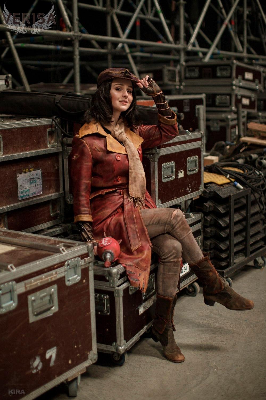 Косплей на женского персонажа Piper Wright из игры Fallout 4