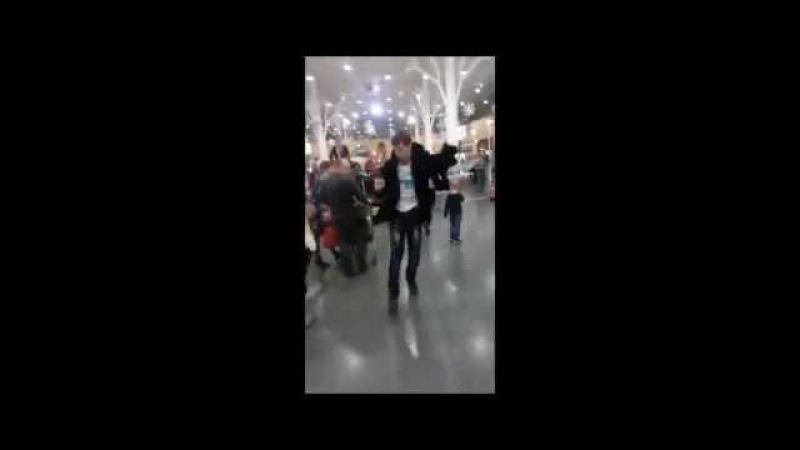 Танцуем по жизни (Трейлер Неудержимые)