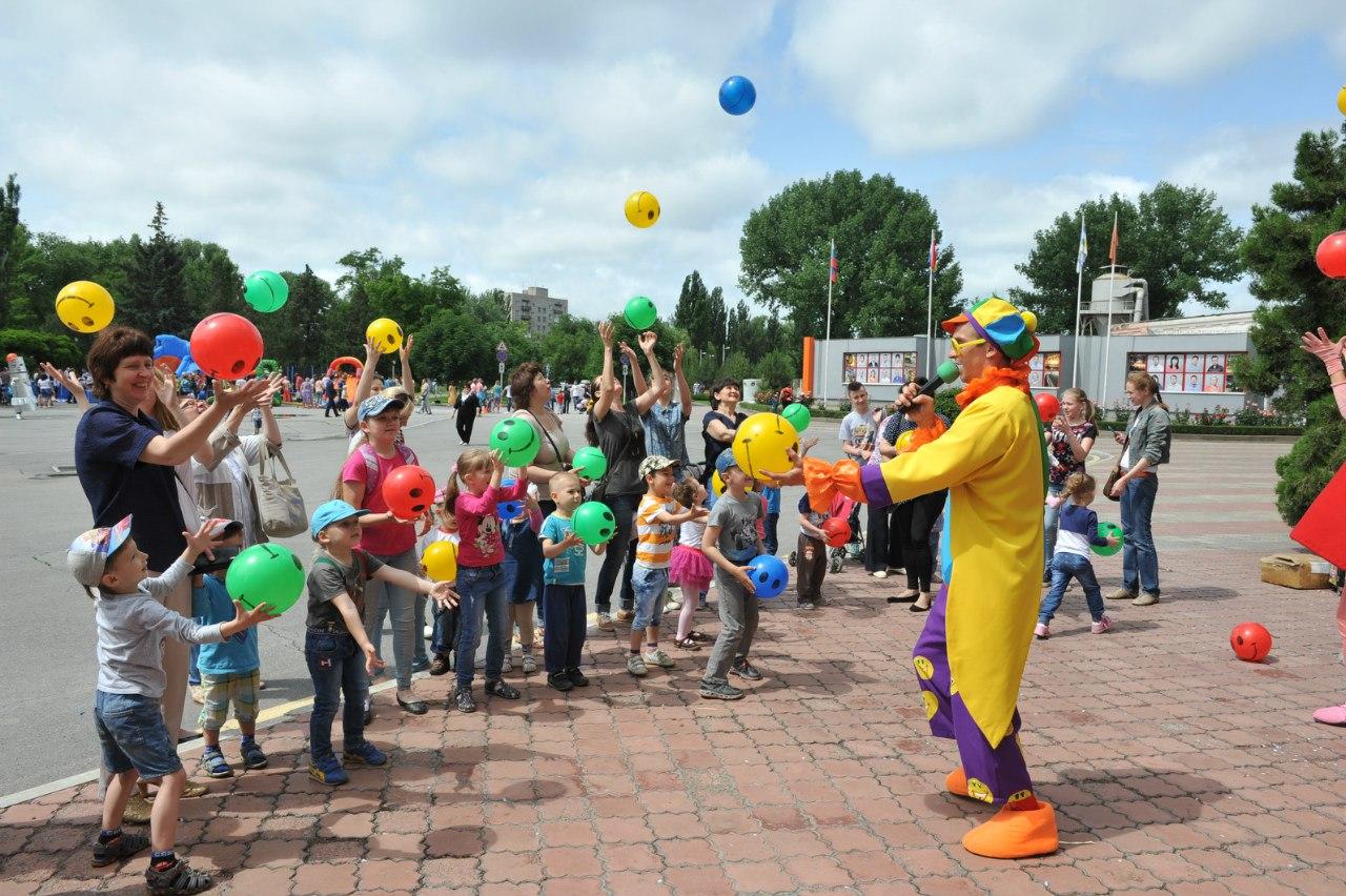 ТАГМЕТ поздравил детей металлургов, воспитанников Детского дома и Дома ребенка с Днем защиты детей
