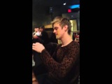 Aaron Carter puts his cake in face