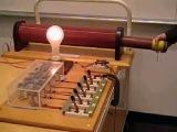 Резонансная RLC цепь, MIT Physics Demo, Resonant RLC Circuit