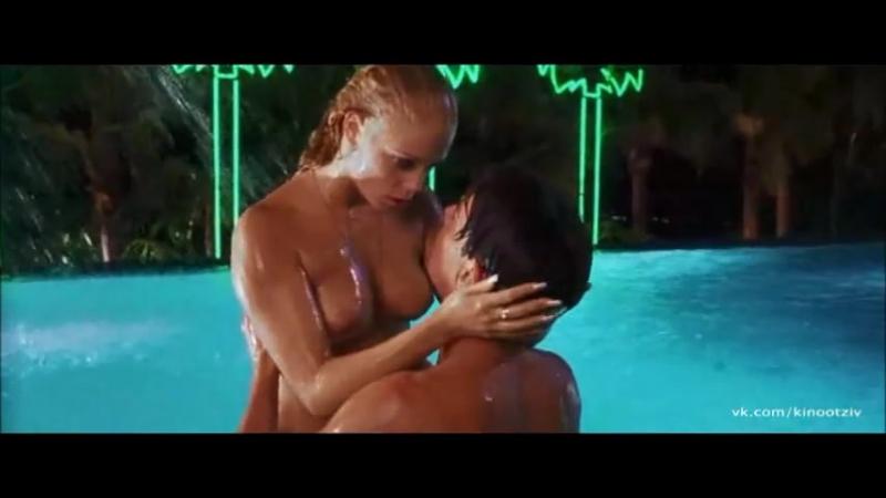 Красиво и нежно трахает Lucy Li на лежаке у бассейна ...