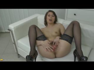 Порно з цицькатими мамками