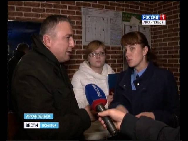 Во время полицейской проверки в кафе Абшерон на съёмочную группу