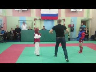 19.11.16. Омаров Адам (красный). Спортивный контактный бой. Финал. До 30 кг.