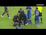 Перелом ноги у футболиста Демба Ба / Former Chelsea striker Demba Ba suffers horror leg break playing or Shanghai