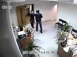 Попытка ограбления банка. Запись с камер видеонаблюдения