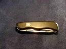 Складной нож Victorinox Locksmith после года использования в лесу, в деревне и в повседневной жизни.